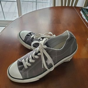 Converse gray tennis shoes size women's 7.5